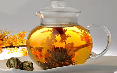 Doprajte si rozkvitnutú krásu vo Vašom čajníku, Vychutnajte si jedinečný zážitok z pitia ručne vyrábaného kvitnúceho čaju a potešte seba alebo svojich priateľov 5 kusmi čajových gulôčok podľa vlastného výberu, teraz len za 6,80 €