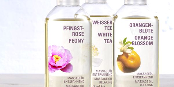 Masážní oleje, 3 ks. Pivoňka, bílý čaj a pomerančový květ. Uvolněte se a vdechněte omamně krásné vůně.