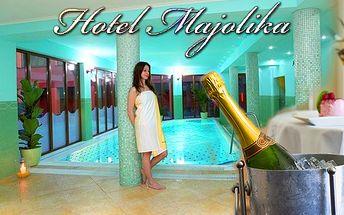 Wellness pobyt na 2 noci v luxusnom hoteli Majolika****! V cene aj silvestrovská párty, wellness, večera, fľaša vínka a nekonečná romantika! Privítajte rok 2013 vo veľkom štýle!