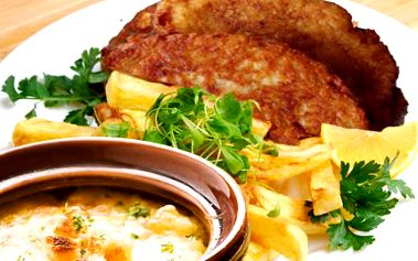 Skvělá večeře za 99 Kč! Pochutnejte si na zelné polévce a kuřecím steaku s hranolky!