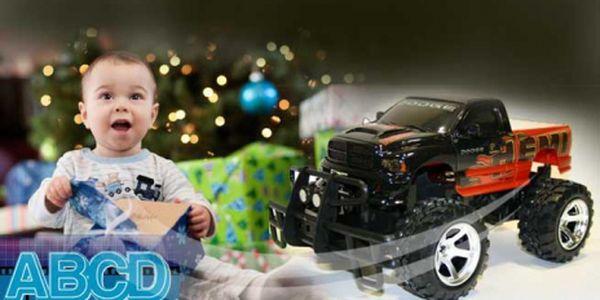 Terénní Jeep na dálkové ovládání za parádní cenu 855 Kč! 34 cm velký RC MODEL, 6 ks baterií, vysílačka a zábava může začít! Poštovné je zahrnuto v ceně! Sleva 55%!