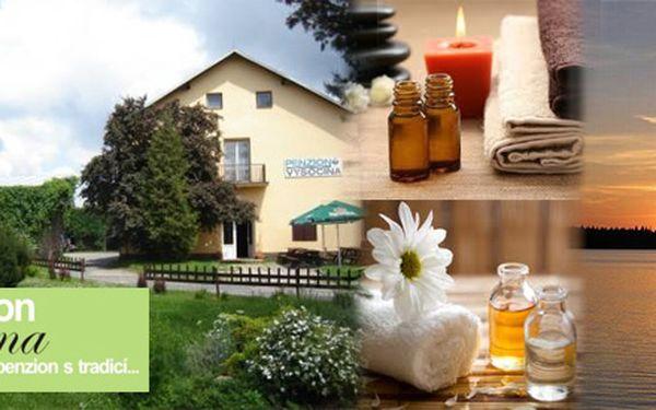 Relaxační balíček HOT STONES v Penzionu Vysočina pro 2 osoby, masáže, polopenze...