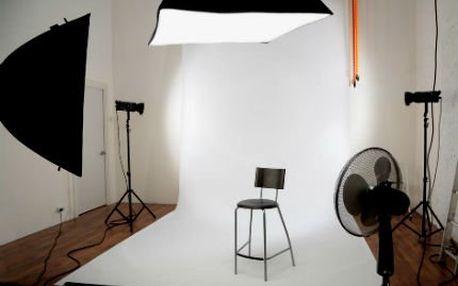 1 hodina focení v ateliéru! Rodiny, děti, portréty či akty. Zapůjčení kostýmů. 31 fotografií!