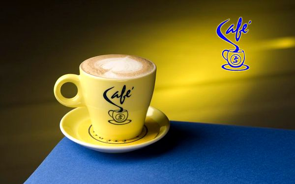 Šálek nadýchaného Cappuccina