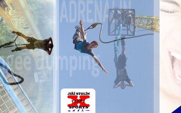 Nejvyšší Bungee Jumping v České republice z 60 metrů. V Královehradeckém kraji nebo v Karlovarském kraji. Ponořte se do adrenalinového seskoku po hlavě nebo po nohách z neuvěřitelné výšky 60 metrů se slevou 52 %!!!