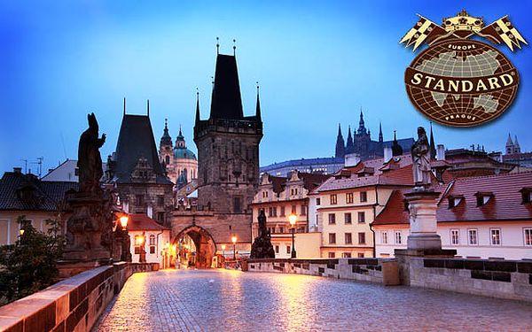 2-dňový pobyt priamo v centre Prahy pre 2 dospelé osoby a deti zdarma. Veľké 4* apartmány s nádherným výhľadom na Pražský hrad, Petřín a rieku Vltavu za 69 € alebo kvalitne vybavené 3* izby len za 39 €.
