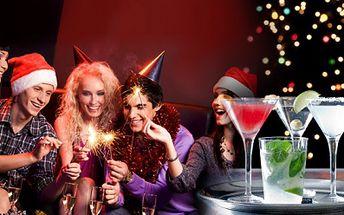VÁNOČNÍ nebo SILVESTROVSKÝ VEČÍREK pro firmy – SLEVA na konzumaci alkoholu + možnost přinést vlastní občerstvení! Pronájem baru na celou noc, hudba, obsluha, welcome drink, obložené talíře a více! SLEVA 51%!
