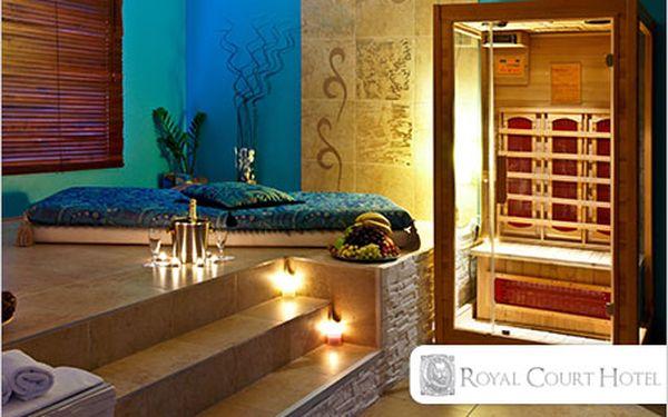 Luxusní privátní vířivka a 2 sauny na 2,5 hod. pro dvě osoby za 990 Kč!