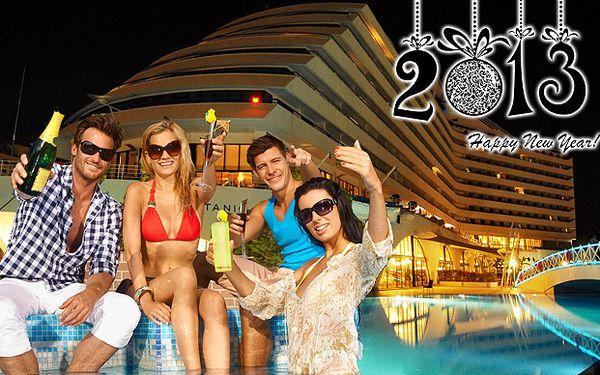Nezabudnuteľný Silvester pri mori v teplom Turecku. 8-dňový bohatý program, ubytovanie v 5* hoteloch, 2-dňový výlet do posvätného mesta bohyne Afrodity a exkluzívny silvestrovský program.
