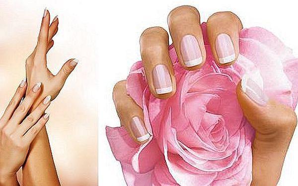 149 Kč za manikúru, parafínový zábal a masáž rukou. Dokonalé nehty a sametově hebká pokožka jsou ozdobou každé ženy.