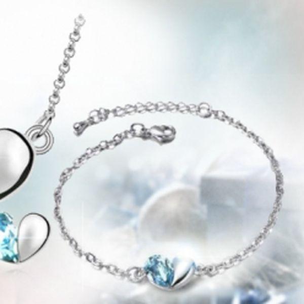 Okouzlující trojdílný set s elegantními krystaly Swarovski elements ve tvaru srdce - náušnice, náhrdelník a řetízek za skvělou cenu 299 Kč! Překrásné šperky v modrém provedení s úžasnou slevou 50%!