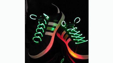 Pořiďte sobě nebo svojí ratolesti tyto jedinečné svítící LED tkaničky! 159 Kč za pár svítících tkaniček včetně poštovného v původní hodnotě 329 Kč!!