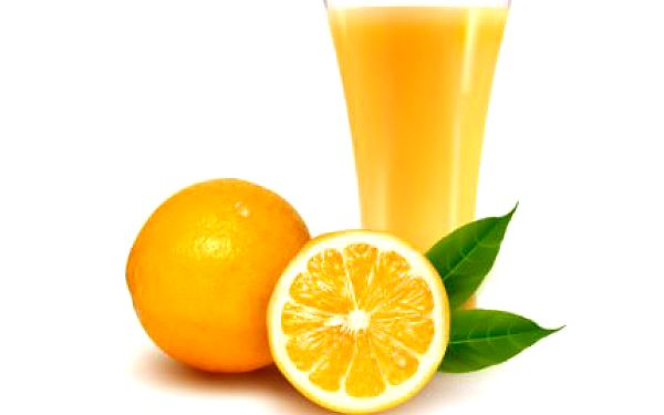 Účinný elixír proti chřipce! 2 x 400 ml pomerančové šťávy se zázvorem. Vylisováno přímo před vámi z těch nejkvalitnějších surovin.
