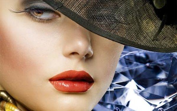 Luxusní kosmetická péče 5v1 s diamantovou dermabrazí, peelingem a kosmetikou s kmenovými buňkami.