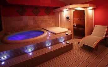 2 hodiny uvolnění PRO DVA! Romantika ve vířivce a sauně s láhví sektu!