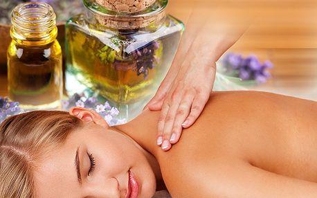 60 minut masáže spojení olejové a bylinné za 299 Kč vás přenese do prostoru pohody a bezstarostnosti! Díky slevě 63% bude vaše tělo uvolněné a zažijete neopakovatelnou chvíli při relaxaci!