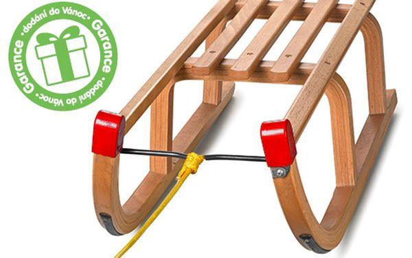 Dřevěné sáňky pro zimní radovánky