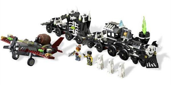 LEGO stavebnice Monster Fight. Originální stavebnice má 741 dílků a v balení najdete i minifigurky hrdinů a duchů.