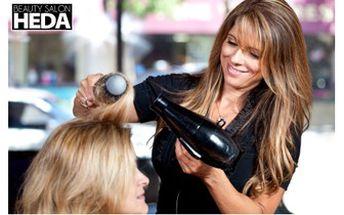 Skvělých 599 Kč za BARVENÍ OMBRE HAIR, mytí, regenerace, styling a foukání!