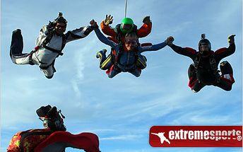 Adrenalinový zážitek na celý život! Tandemový seskok padákem.