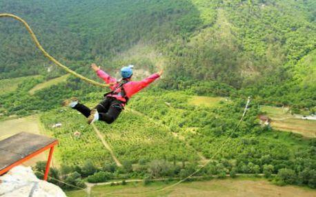 Skočte si bungee jumping! 60 metrů adrenalinu a jedinečného zážitku! Skvělý dárek!