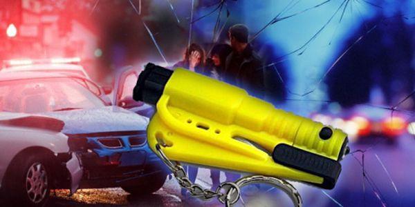 Záchranná bezpečnostní sada BODYGUARD za pouhých 119 Kč! Obsahuje 3 účinné nástroje, které Vám mohou při autonehodě zachránit život - ostrou čepel, skrytý bodec a píšťalku! Pořiďte si tuto pomůcku, která se stala v USA hitem!