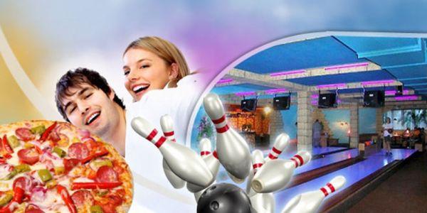Zajděte si s přáteli na bowling! Hodina bowlingu v Jaroměři a 2x pizza dle vlastního výběru! Neodolatelná cena 239 Kč! Navštivte Bowling centrum - Jaroměř!