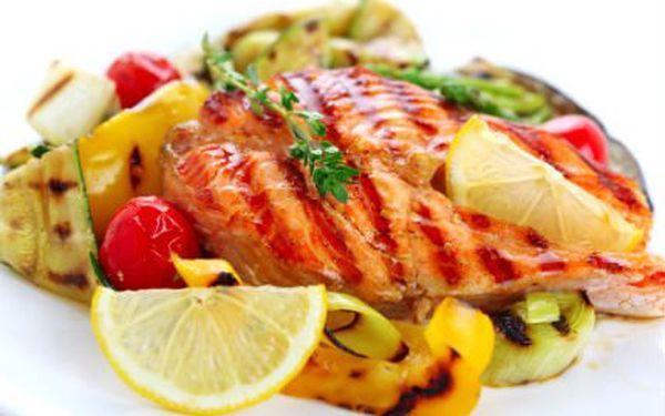 Delikátní rybí menu pro DVA. Je libo lososa či žraloka? Obojí vám a vašemu doprovodu naservírují v ostravské restauraci Hastrman