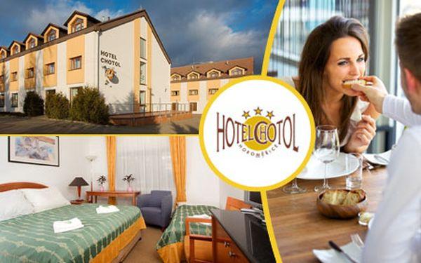 Jedinečná nabídka 3 dnů pro 2 osoby se snídaněmi a večeří v krásném Hotelu Chotol za pouhých 2490 Kč s HyperSlevou 56 %! Spousta příjemných bonusů navíc!