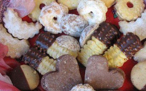 8 druhů vánočního cukroví od 120 Kč! 1 kg nebo 0,5 kg! Krabička v ceně!
