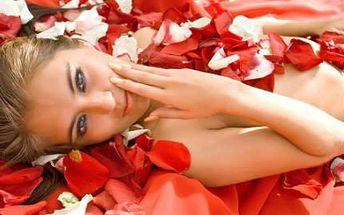 Vánoční Beauty Day! Manikúra, pedikúra, masáž, kosmetika, kadeřnictví, lifting, líčení!