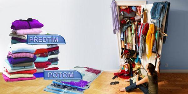 Sada 4 kusů vakuových pytlů, díky kterým ušetříte až 75% místa ve skříni! Uložte oblečení šetrně a chytře! Za tuto sadu nyní zaplatíte pouze 179 Kč včetně poštovného!