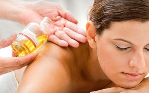 Olejová aroma masáž: hluboká regenerace a relaxace