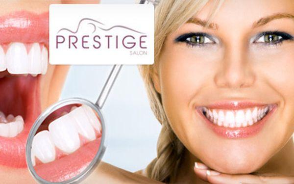Bělení zubů s dentální bělící lampou! Se slevou 79 %!