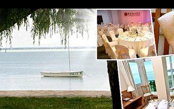 """Exkluzivní wellness dovolená v """"maďarském Toskánsku"""" se slevou 51 %: Prožijte nezapomenutelných 6 dní a 5 nocí ve dvou v luxusním čtyřhvězdičkovém Ramada Hotel & Resort Lake Balaton. Pochutnávat si budete na bohaté polopenzi."""