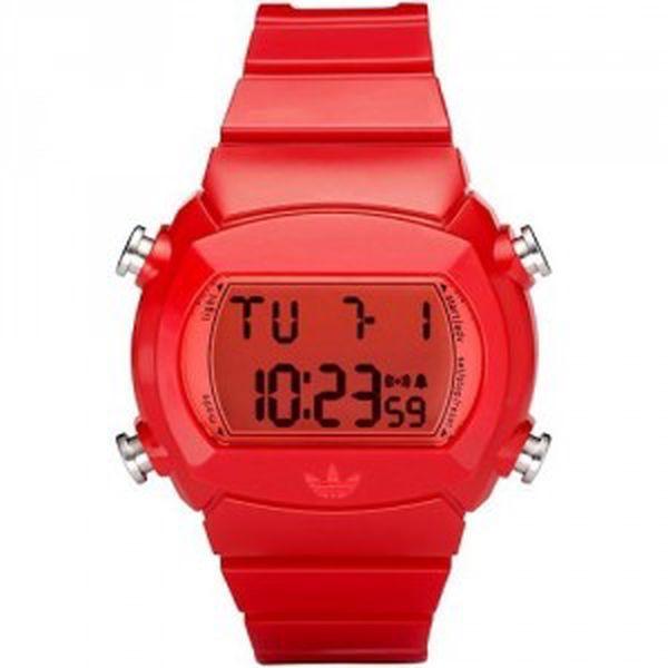 Adidas Candy. Červený bonbónek mezi hodinkami.