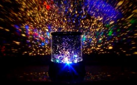 Promítač hvězdné oblohy! Speciální lampa STAR MASTER vás vezme na putování vesmírem. Fascinace pro dět!