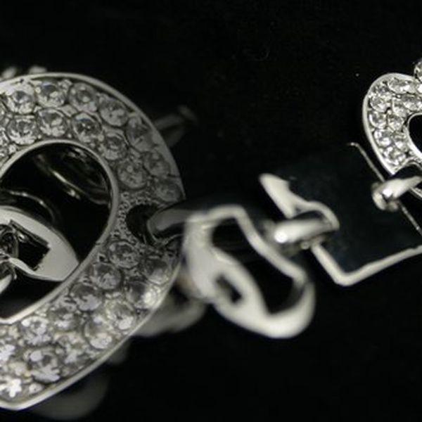 Moderní nárameknejen pro zamilované! Noste své srdce vždy u sebe.Vyrobený metodou hluboko vrstvého postříbření ušlechtilého kovu kvalitním stříbrem! Sleva 68%!!!