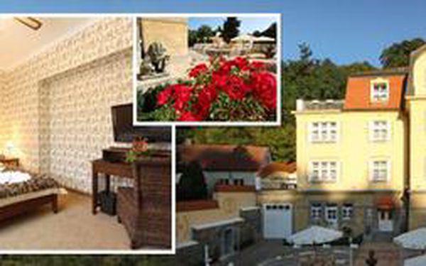 Udělejte si 3denní výlet do Prahy a ubytujte se ve dvou v luxusu se soukromými římskými lázněmi! Krásný 4* hotel se snídaní a jen kousek od Pražského hradu či ZOO!