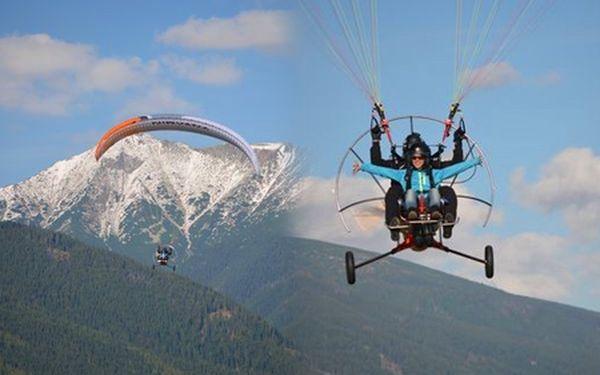 Adrenalínové dobrodružstvo s motorový paraglidingom od M-FLY! Pohodlne vás usadíme, nemusíte vyvíjať žiadnu námahu, jednoducho si užite nádherný výhľad!