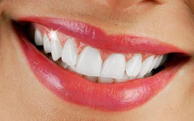 2995 Kč za špičkové bělení zubů v hodnotě 5990 Kč. Prvotřídní péče kliniky Estetika Dental.