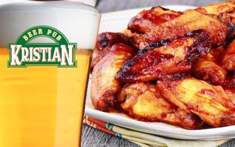 Len 6,99 € za KILOVÚ porciu perfektných kuracích krídelok v Beer Pube Kristián v centre BA! V cene aj chlieb, baranie rohy, uhorky, feferónky a 4x 0,4l kvasinkového piva Kristián!