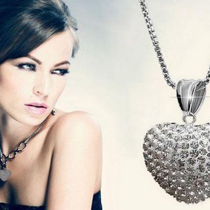 Zirkónové srdce s retiazkou z chirurgickej ocele len za 11,99 € vrátane poštovného! Elegantný a jemný šperk na každú príležitosť! Nič nepoteší ženu viac ako krásny šperk!