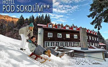 3-dňový pobyt pre 2 osoby v Horskom hoteli Pod Sokolím** len 700m od svahu! V cene raňajky, vstup do vírivky a sauny +zľava na skipas! Možnosť aj 5-dňového pobytu!