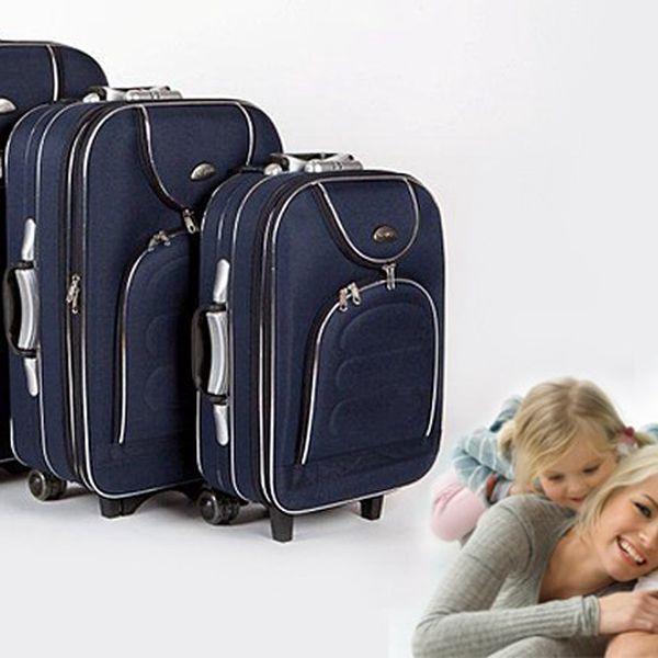 Sada tří cestovních kufrů na kolečkách s teleskopickými madly pro lepší manipulaci.
