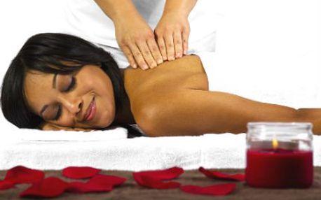 Relaxační masáž a zábal! Hodinová relaxační masáž zad a nohou s rašelinovým zábalem!
