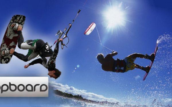 4 hodinový kurz SNOWKITINGU pro začátečníky se zkušeným instruktorem za bezkonkurenční cenu 700 Kč! Nevšední zážitek nadupaný adrenalinem se slevou 72%!