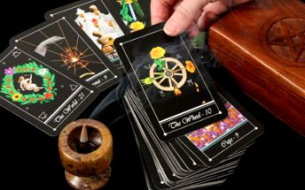 Novoroční výklad tarotových karet s 50% slevou!