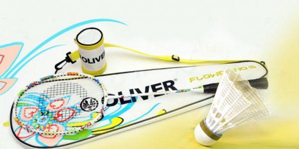 Badmintonová raketa značky Oliver flower no. 5 včetně termoobalu + dva košíčky zdarma! Báječný badmintonový set ve velmi povedeném a krásném květinovém designu za neskutečných 333 Kč! Sleva 44%!
