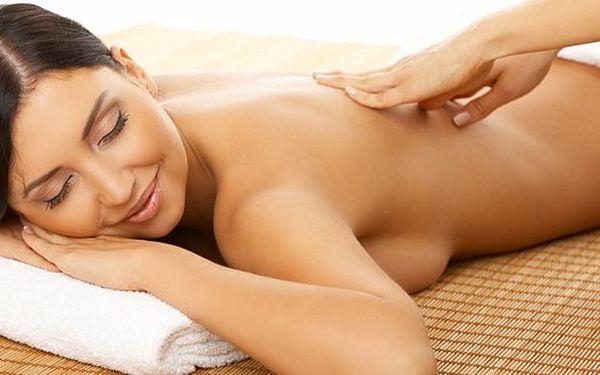 Breussova masáž. Pomáhá zregenerovat meziobratlové ploténky a může zabránit operaci. Vyzkoušejte energetickou masáž v Ostravě!